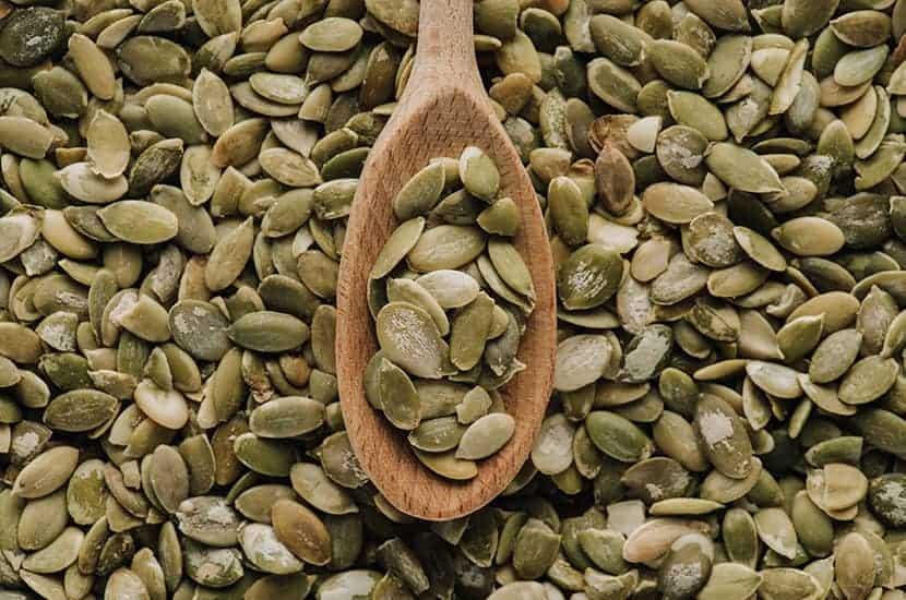 Les graines de courge sont riches en zinc, ce qui contribue à augmenter la production de sperme