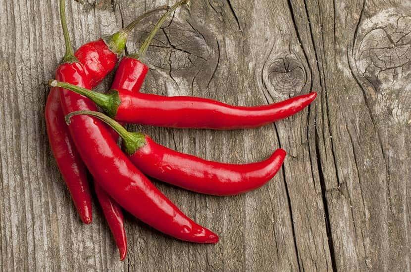 Le poivre de Cayenne est riche en une substance qui élimine la combustion des graisses