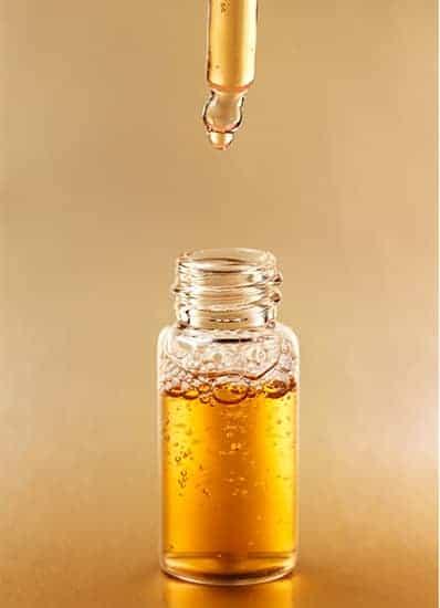 L'huile d'urée est un produit sous forme de gouttes destiné à aider les personnes souffrant de problèmes auditifs