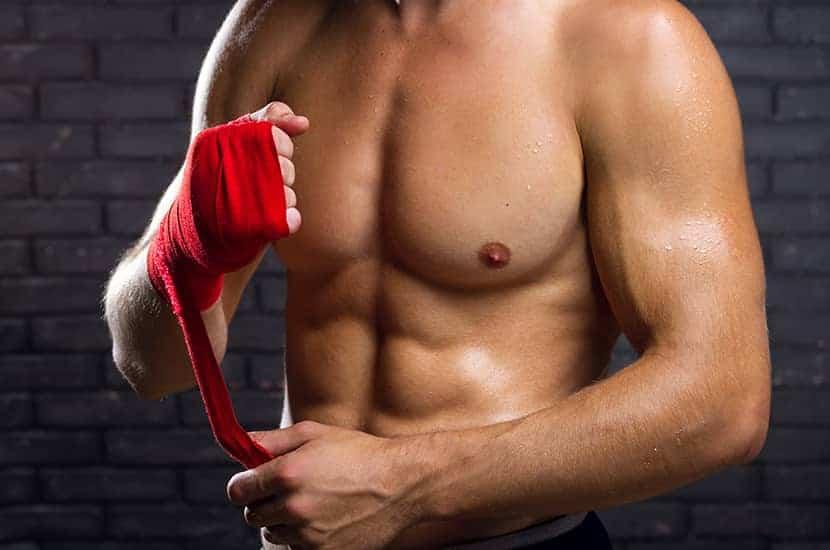 Instant Knockout présente plusieurs avantages par rapport à des compléments similaires